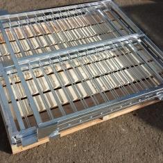 palettes en bois avec structure en métal