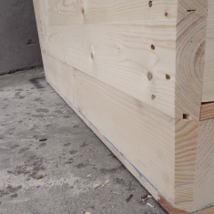 wooden crates with plywood for onion